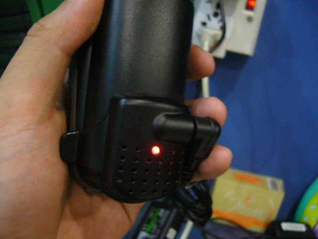 Kalau lagi charge LED menyala