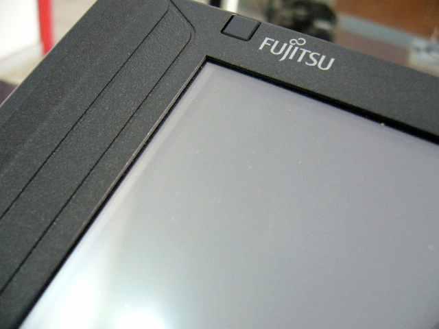 Kecil, Hitam, Imut, apa itu? Fujitsu U1010