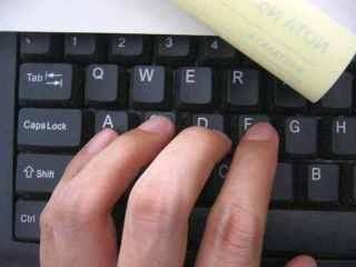 Nih coba bandingkan dengan keyboard biasa utk PC
