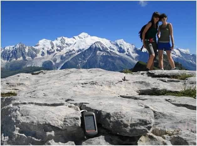 Tipe handheld Oregon 300, GPS adventure pertama ber-layar sentuh