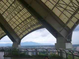 Ke Civic Center lihat seluruh Kota Kuching dari Ketinggian
