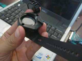 Remote pake batere kancing