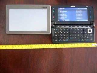 Lebarnya vs Nokia E90 :)