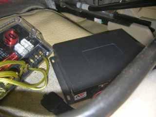 NV02 ditempatkan under seat