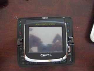 Ukuran GPS lawan Nokia E90 yang terbuka
