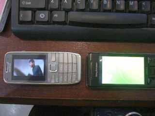 vs Nokia E52