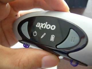 Hanya ada 2 tombol (Power & Pause) serta 3 LED (Power, Pen Activated, Batere)