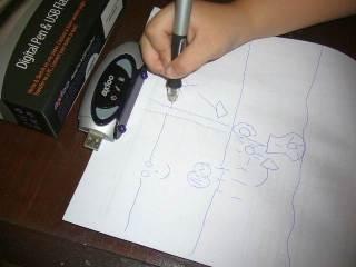 Jepit kertas diatas, mulailah menggambar/menulis