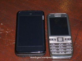 Compare to Nokia E52