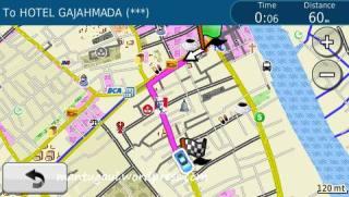 Melihat informasi perjalanan dan petanya