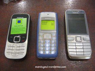 Perbandingan dengan Nokia 1110i dan E52