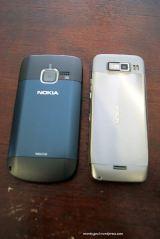 Vs Nokia E52 tampak belakang