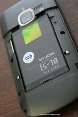 Pasang baterai BL-5J