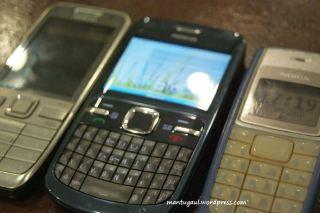 Perbandingan Nokia E52, C3 & 1110i