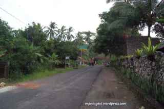 Jalan di sebelah kanan Riversider