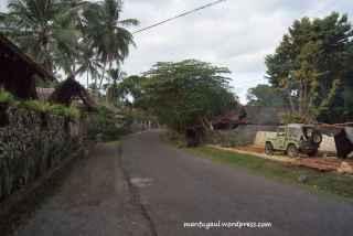 Jalan di sebelah kiri Riversider