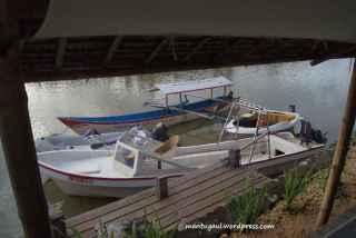 Ini dermaga untuk merapatkan perahu dan peralatan water sport lain