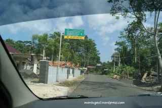 Tanda-tanda jalur evakuasi jika terjadi bencana tsunami