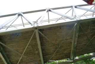Jembatan tampak bawah