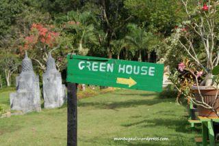 Itulah Green house taman bougenville Singkawang