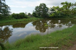 Danau di Taman Rekreasi Teratai