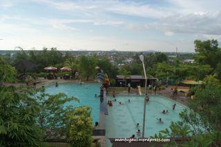 Kolam renang Villa Bukit Mas Singkawang