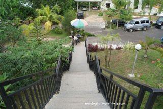 Tangga menuju restoran Villa Bukit Mas Singkawang