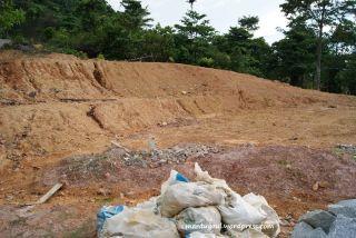 Sedang renovasi bagian atas bukit