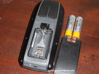 Memakai baterai AA dua pcs