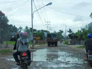 Jalan menuju Vihara Ci Kung