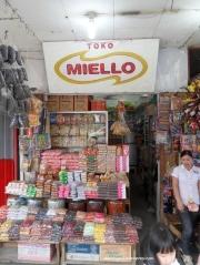 Pusat oleh-oleh Toko Miello Singkawang