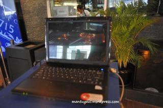 Setiap sudut Indochine dipajang laptop Axioo