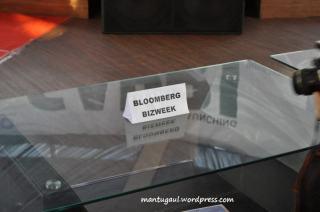 Orang Bloomberg Bizweek duduk di sebelah Gadtorade