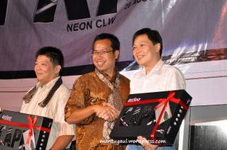 Penyerahan unit special Neon CLW