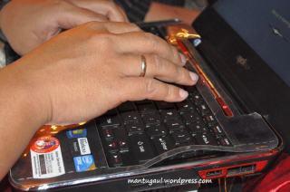 Oom lucky test keyboardnya