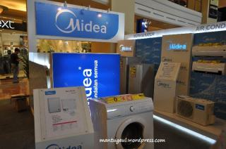 Stand Midea