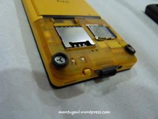 SIM card slot dan Micro SD slot