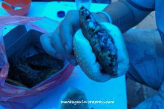 Burger dijepit roti