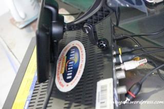 Colok kabel ke decoder indovision