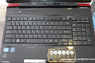 Layout Keyboardnya unik