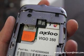 Sayang micro sd juga di dalam baterai jadi tidak bisa hotswap micro sd