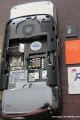 Memory card taruhnya dibawah baterai