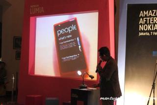 Dijelaskan oleh tim Nokia cara penggunaan Nokia Lumia 800