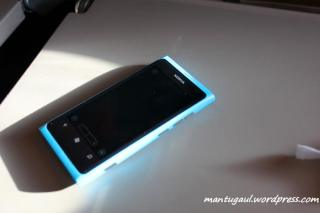 Lumia 800 warna Biru