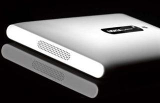 Nokia-Lumia-800-White_2