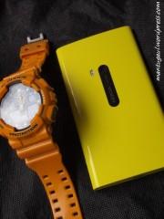 vs jam tangan kuning :)