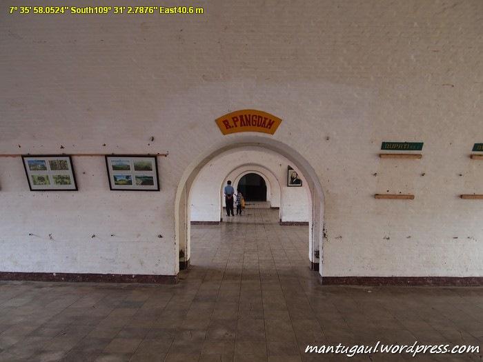 Di dalam benteng vanderwijck