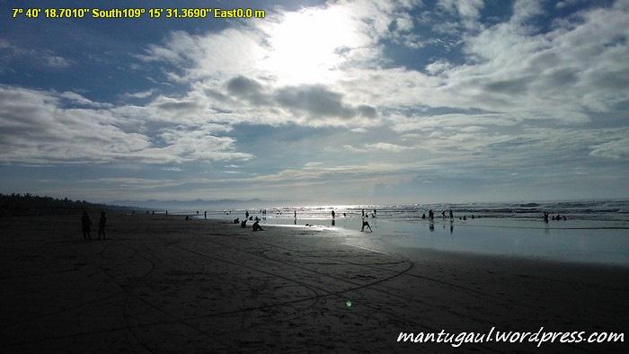Singgah di Pantai Widarapayung, punya karakteristik mirip Pantai Bantul Yogyakarta