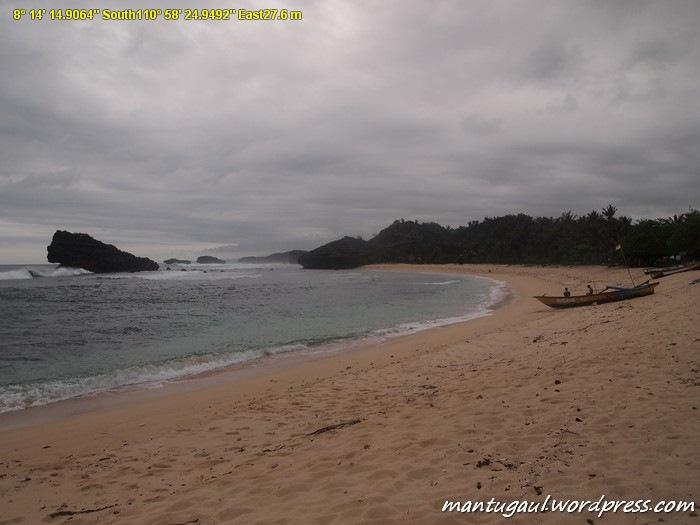 Pantai Watu Karung tempat surfing