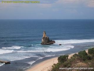 Pacitan , Kota 1001 Goa & Surga Peselancar